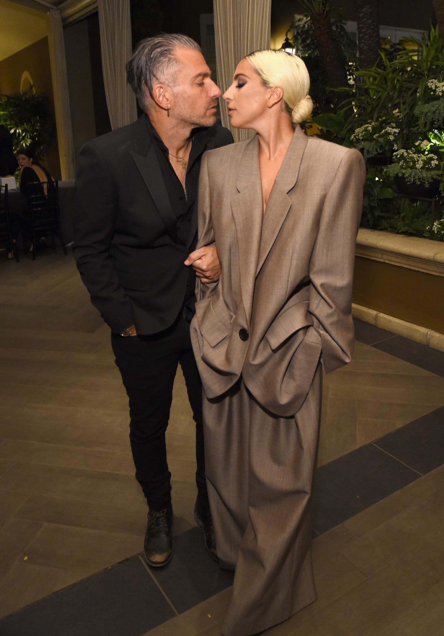 Леди Гага выходит замуж за менеджера Кристиана Карино: фото