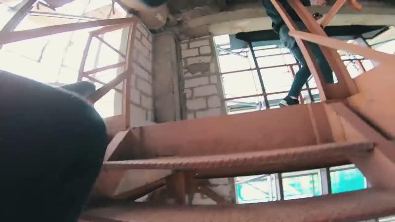 ДИКИЙ ПОБЕГ ОТ ОХРАНЫ _ НАС СПАЛИЛИ на закрытой крыше