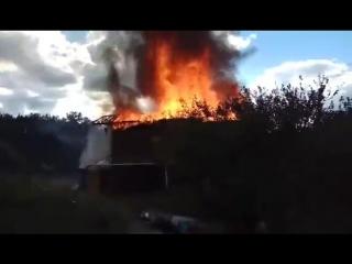 В Симферополе горел двухэтажный йога-центр . Пожар Симферополь район Пневматика