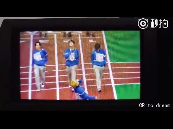 [BTS/방탄소년단] Taehyung, Jin and J-Hope's model walk in runway