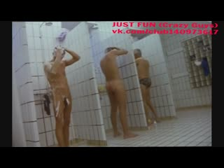 Scene from wallpaper island член хуй голый naked nude cock penis striptease стриптиз shower душ public