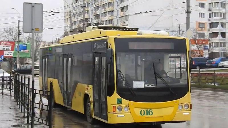 Новые чуть бэушные троллейбусы в Керчи Состояние внутри рогатика