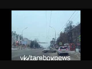 Тамбов. сбили пешехода на тротуаре 29.01.19