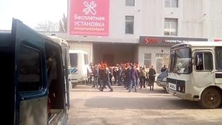 Похороны жертв массового убийства в Керчи(ужасные кадры....погибшие)