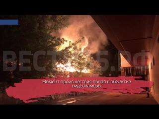 В Вологде горело бесхозное здание возле ТЦ