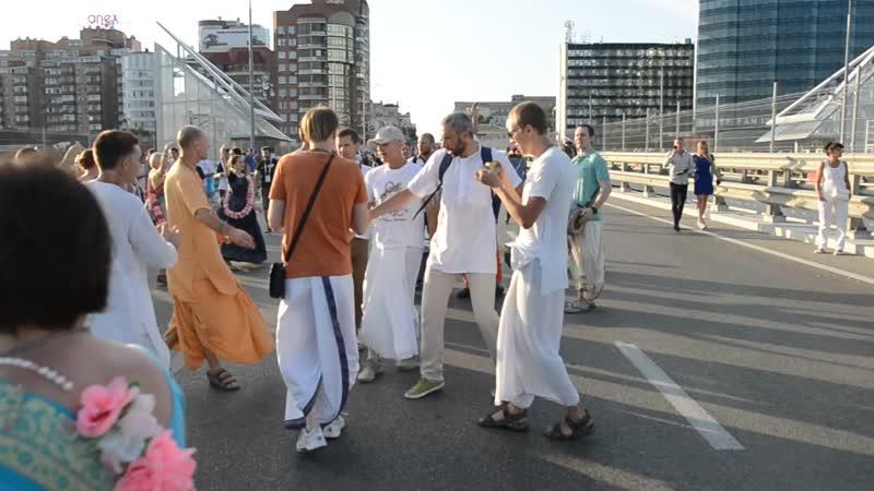 18.07.02 - Маха Харинама с Парвата прабху
