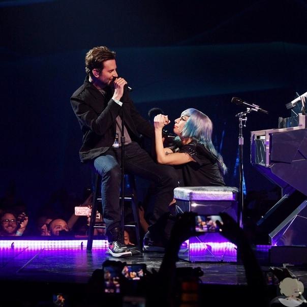 Брэдли Купер спел вместе с Леди Гагой песню из фильма «Звезда родилась»