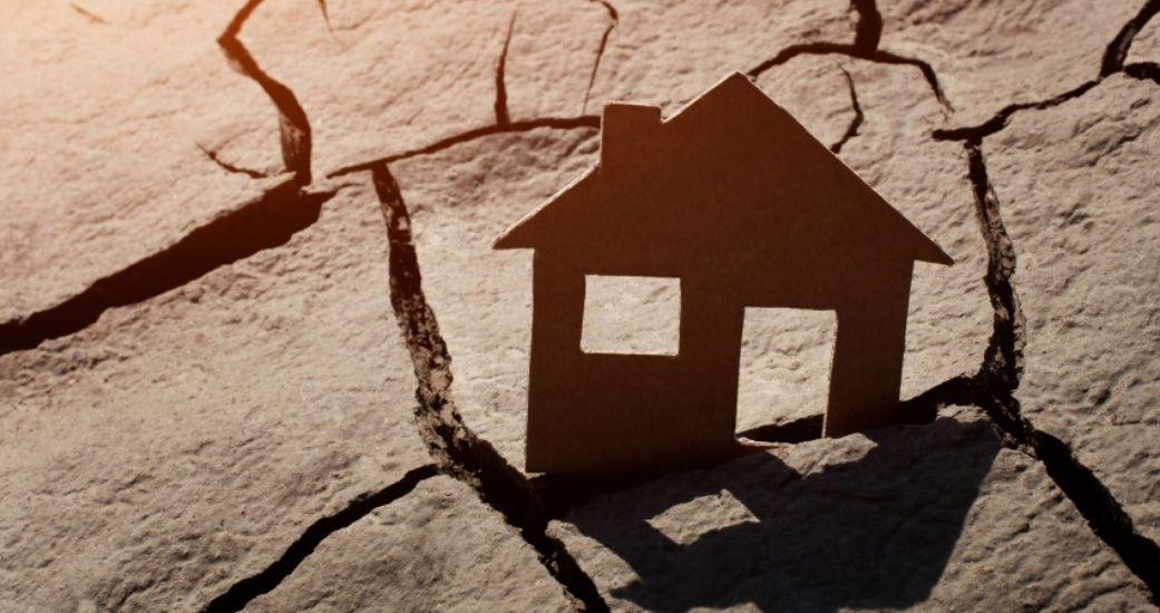 В Адыге-Хабльском районе власти продали землю, на которой стоит дом женщины-инвалида