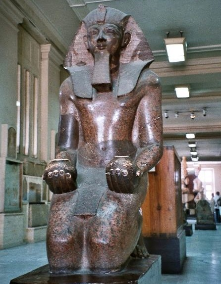 Статуя королевы Хачепсут