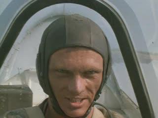 Охота на единорога (1989) Воздушный бой и восстание на аэродроме