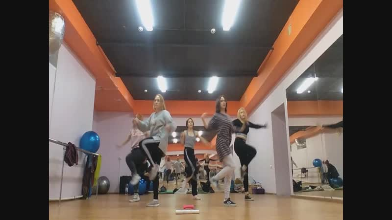 [REHEARSAL] f(x) – RED LIGHT INTRO (by GLOOMY).