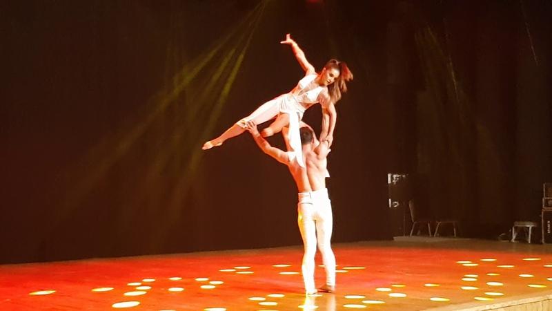 Ersin Altaş Hande Atalay - Salsa Show - 8.Istanbul Dance Festival