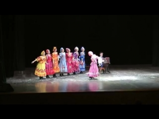 Шуточный танец в исполнении Хореографического ансамбля Берёзка