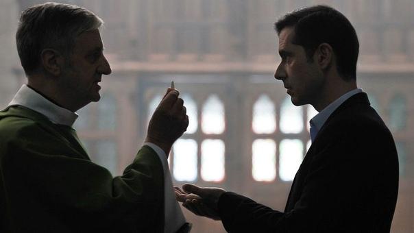 На кинофестивале Берлинале прошла премьера конкурсного фильма французского режиссёра Франсуа Озона «Милостью Божьей», который раскрывает подоплёку скандалов в католической церкви. 2014 год.