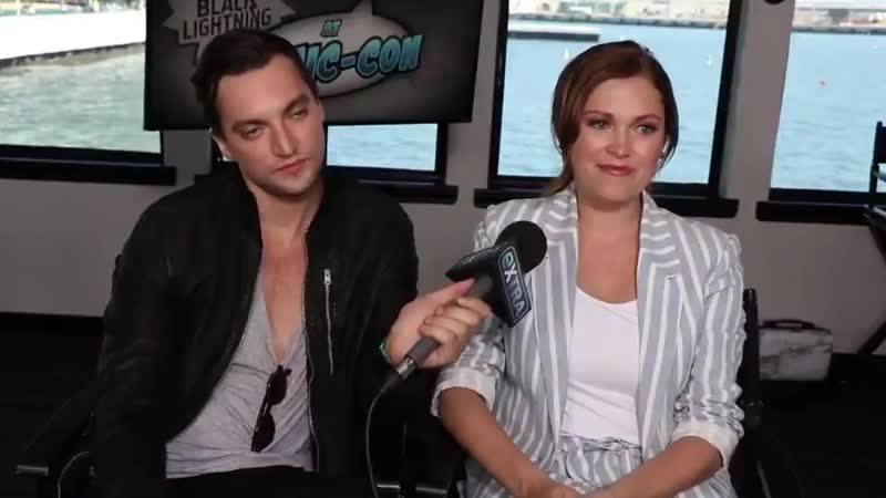 VIDEO Eliza at SDCC2019 on marrying Bob via @extratv Beliza The100 - - Hows married life treating you The best decision I've eve