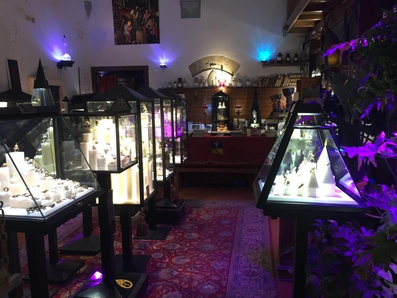 Приключения во Флоренции. Какой-то магазинчик-музей без людей