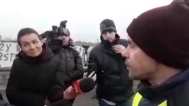 Policja atakuje protest rolników!