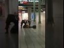 Die niederländische Polizei hat heute eine Messerattacke am Flughafen Amsterdam verhindern können