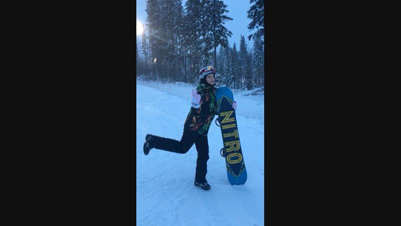 Училась я значит на сноуборде кататься🤪