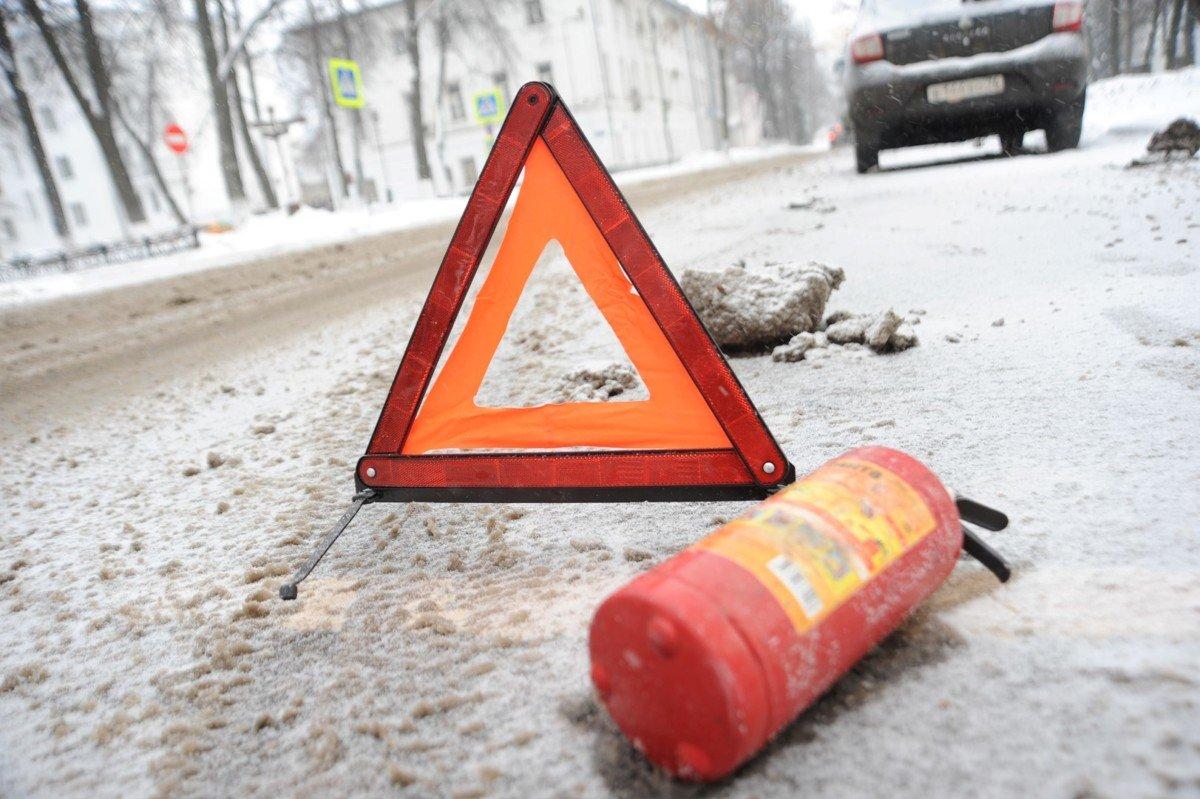 На улице Мельничной в Ярославле сбили женщину.