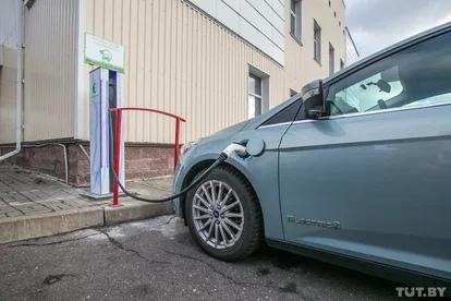 «Юнисон» выпустит новые электромобили: седан и кроссовер. В плане - грузовики, бусы, коммунальная техника Белорусский завод-автопроизводитель «Юнисон» планирует в этом году довести модельный ряд