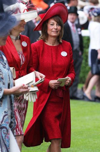 Гардероб Кэрол Миддлтон: как одевается мама герцогини Кембриджской