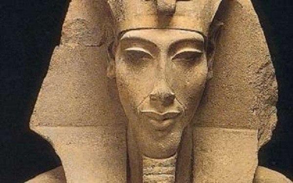 Заклятие Аменхотепа. Заклятие фараона Аменхотепа (Аменофиса) родилось во мраке нубийских ночей в таинственных подземельях Фив. Природа его темна и загадочна, как и время правления самого фараона