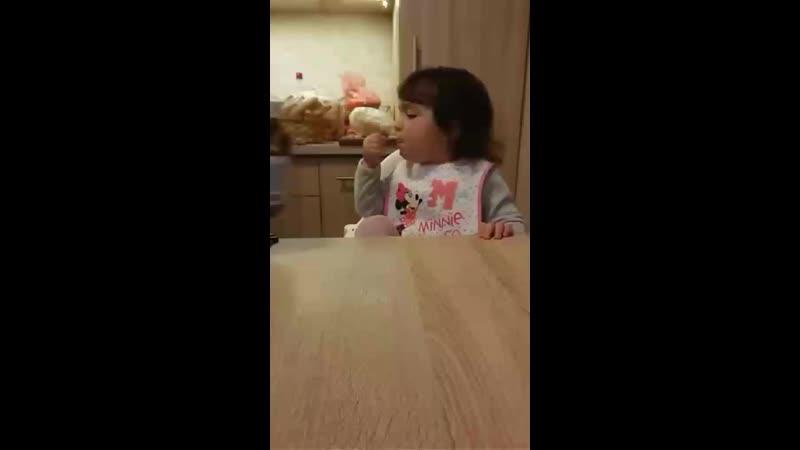 Zoé utálja az édességet, hát gyerek az ilyen?