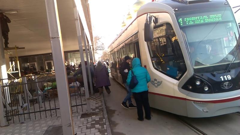 На Центральном забыли про доступную среду и удобство пассажиров трамвая