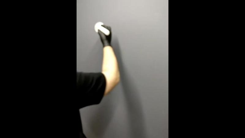 Вандализм на стенах в студии 🤣😱🎨🖌️