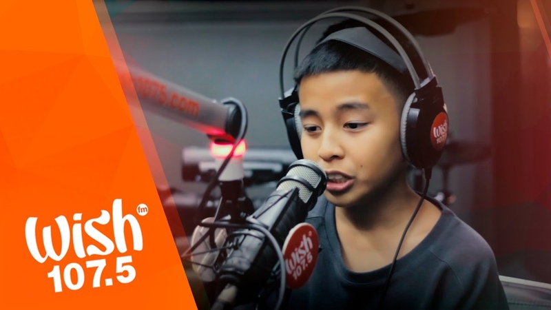 Sam Shoaf covers That's What I Like (Bruno Mars) LIVE on Wish 107.5 Bus