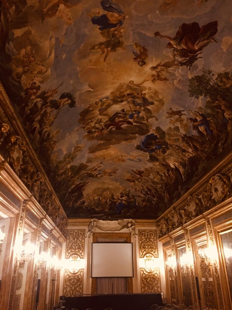 Приключения во Флоренции. зал hall of Luca giordano