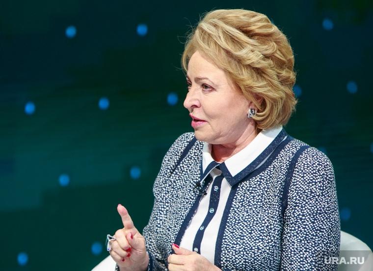 Матвиенко заявила, что использование зарубежной медицинской техники является преклонением перед Западом