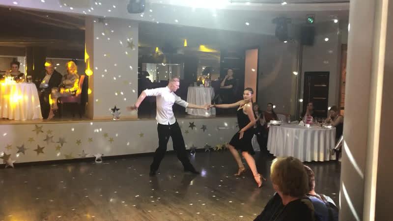 Elena Ermolaeva and Oleg Novitskiy - Samba