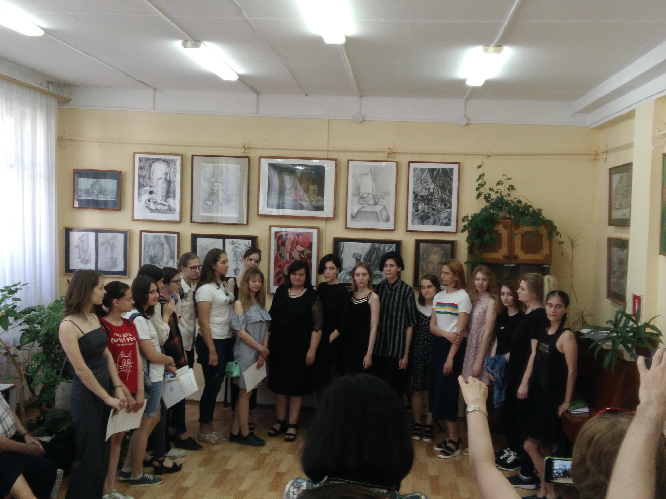 Выставка картин Смирновой А Г и учеников 2019 Сызрань
