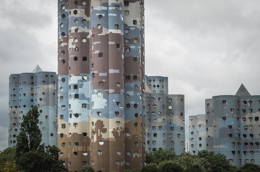 Башни Айо в Париже
