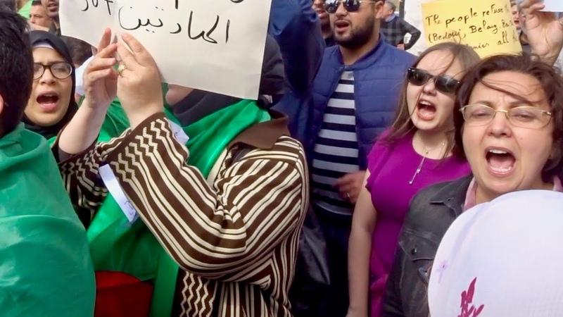 Chant patriotique manifestations Oran Algérie أنشودة وطنية في مظاهرات وهران الج15