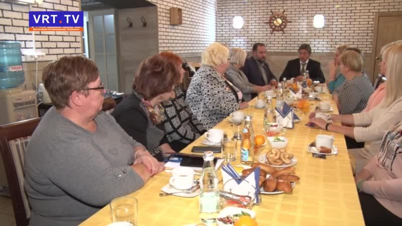 Традиционное чаепитие! Владимир Пекарев встретился с матерями электростальцев, погибших в горячих точках.