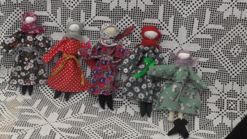 Тотемские куколки в сапожках