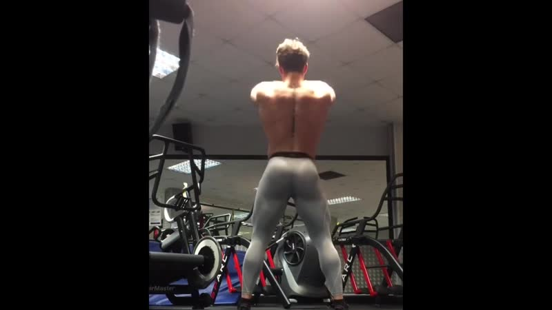 sport juicy bulge sexy men workout in spandex, compression tights and flexing