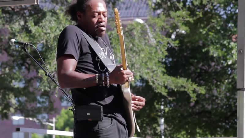 Eric Gales Voodoo Child Kashmir Back in Black Für Elise Beethoven Live at the 2017 DIGF