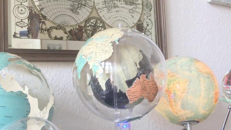 Expanding Earth Globe In Globe