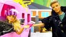 Видео про игрушки и плей до Кен готовит для Куклы Барби!