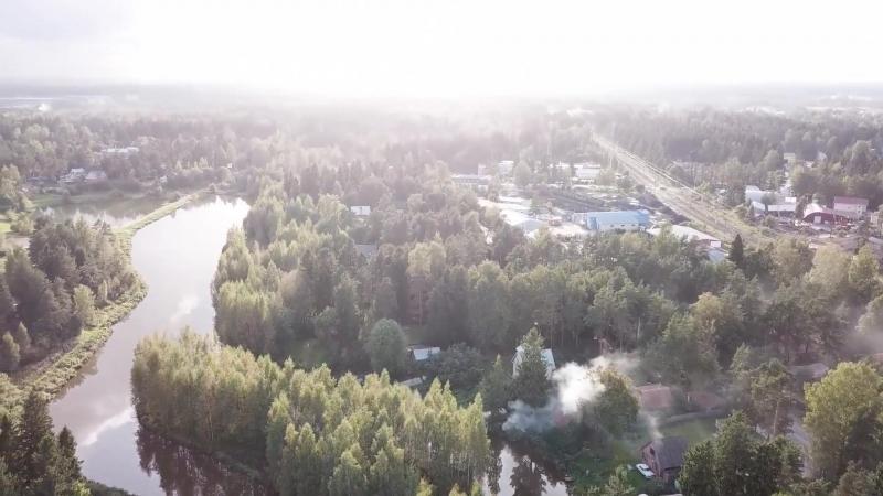 Включайте звук, и наслаждайтесь обзорной съемкой маршрута на реке Лубья для прогулок на каяках Point65!