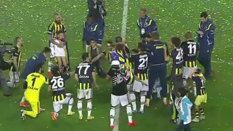 Fenerbahçe şampiyonluk şarkısı_tavukları pişirmişe(360P).mp4