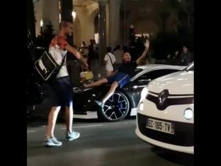 Никакого уважения к Bugatti Chiron