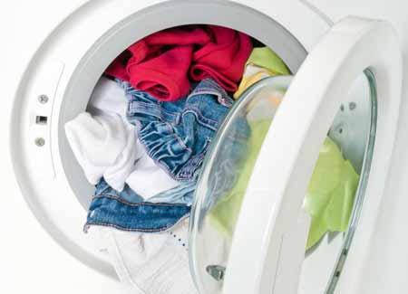 Постельное белье и одежду следует сушить в сушилке для белья на самом высоком уровне, чтобы убить постельных клопов
