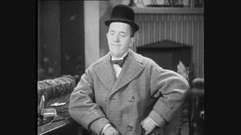 Laurel and Hardy - Chickens Come Home(BW) 1931