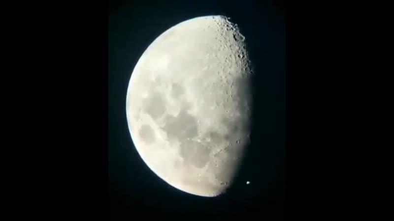 МКС транзитит Луну
