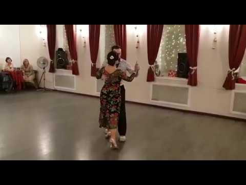 Александр Сухов и Нина Конская танго, новогодний бал 22.12.2018, студия Мир танго